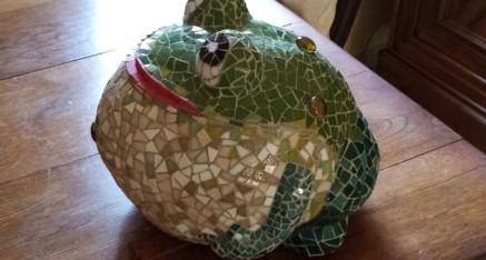 La grenouille dodue de Claude (volume et pâtes de verre)